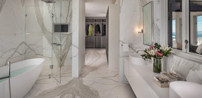 Master Bathroom, Lombard